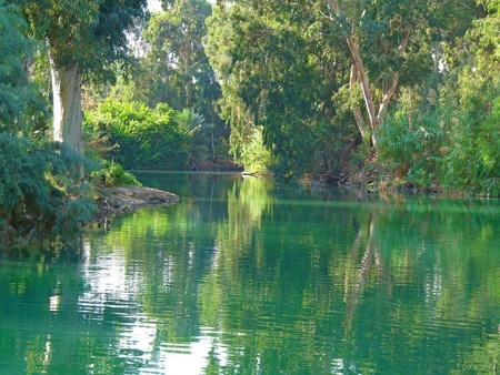 De magische rivier de Jordaan, de plaats van het doopsel van Jezus Christus, Israël