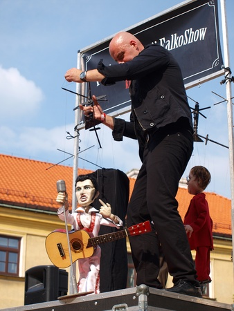lubelszczyzna: The Animation Theatre Falkoshow: Elvis Presley Editorial