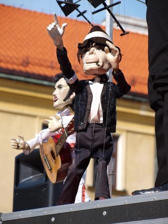 The Animation Theatre Falkoshow: Elvis Presley Editorial