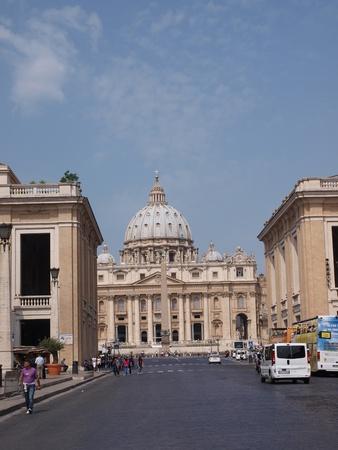 basillica: The Square of St. Peter and the Basillica, Vatican, Rome, Italy, seen from Via della Conciliazione.