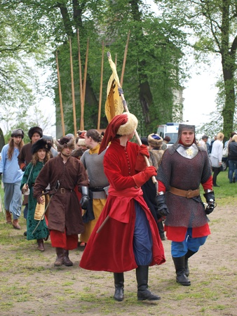 reconstruct: Going onto the battlefield for the reconstruction of a 17th century battle during the Picnic with history, Zawieprzyce, Poland, May 1st 2010.