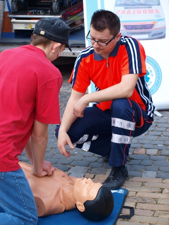 Learning first aid at the blood donation event Motoserce, Lublin, Poland, April 22nd 2012.
