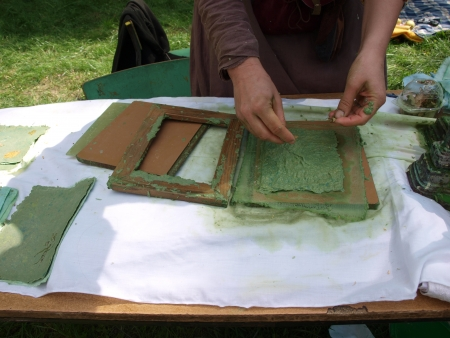 reconstructing: Paper-making as recreated during the historical reenactment show