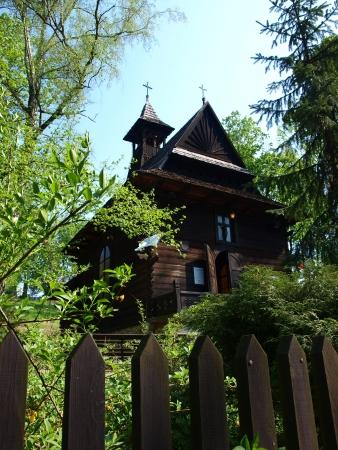 st charles: Zakopane chiesa in stile in legno di San Carlo Borromeo, Naleczow, Polonia