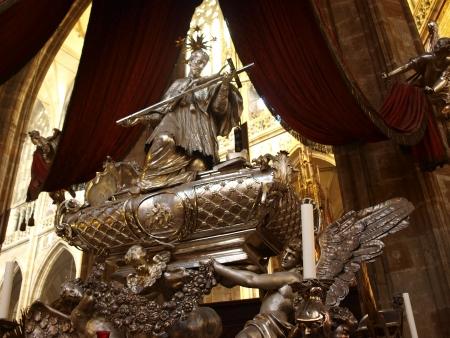 oratoria: Silver barroco sarc�fago de San Juan Nepomuceno, el Oratorio Real, la catedral de San Vito, Praga, Rep�blica Checa