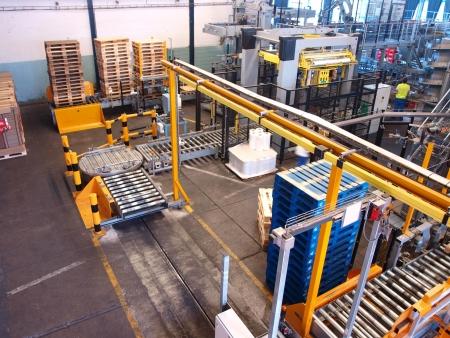 brouwerij: Bottelmachines en verpakking fabriek op de Budvar brouwerij, Ceske Budejovice, Tsjechië Redactioneel