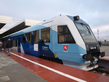 lubelszczyzna: A railbus at the new Lublin Airport Open Day, 1st December 2012, Swidnik, Poland