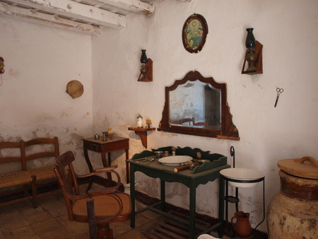 region sicilian: The barbers saloon at the Grotto of the Mangiapane family, Scurati, province of Trapani, Sicily, Italy