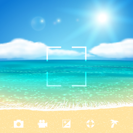Soleado paisaje marino con la playa.