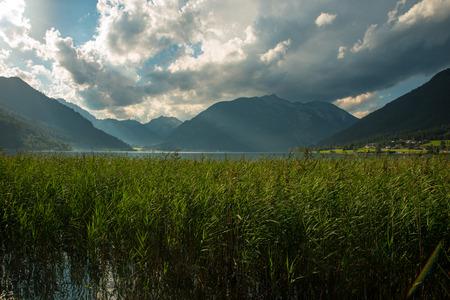 Widok na miły Achensee w Alpach Tyrolskich