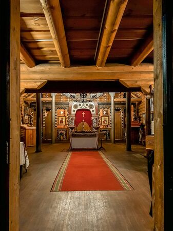 Orthodox wooden Russian temple prepared for the celebration of Easter Imagens