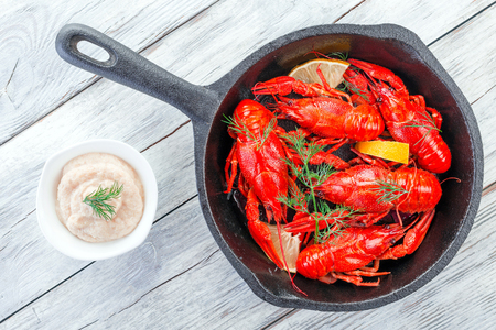 fluvial: crawfish on a frying pan,  view from above