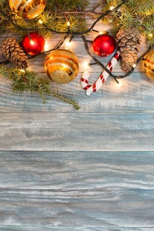 Albero di abete di Natale con copyspace Archivio Fotografico - 63707972