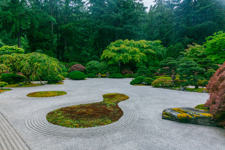 View of sand garden among trees at Portland Japanese Garden, Portland, USA Imagens