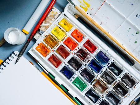 사용 가능한 대형 페인트 팔레트 스톡 콘텐츠 - 96430542