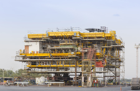 onshore: Platform petroleum fabrication and erection work in onshore yard   Stock Photo
