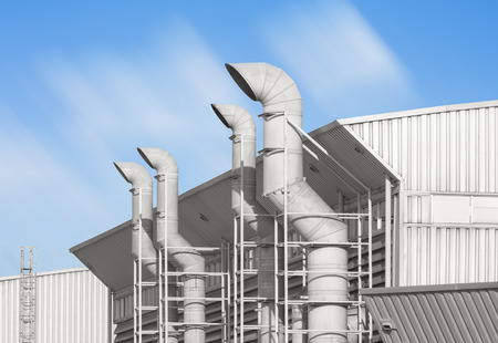 contaminacion aire: Sistema de ventilación de la fábrica.
