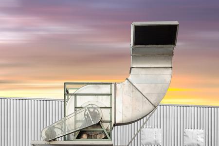 Luftkanal Und HVAC-System Des Lagergebäudes. Lizenzfreie Fotos ...