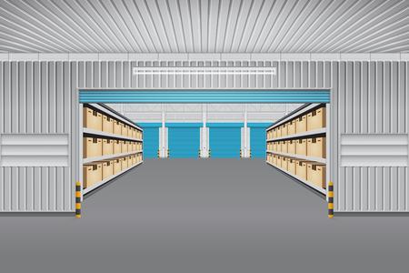 L'intérieur du bâtiment d'entrepôt avec boîte de conteneur de fret sur des étagères.