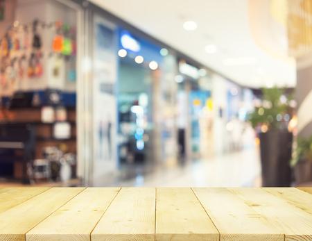 Verschwommenes Bild des Einzelhandelsgeschäftes im Einkaufszentrum für Hintergrund.