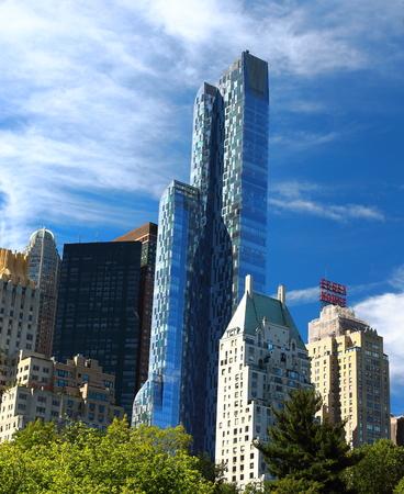 マンハッタン、ニューヨーク、アメリカ合衆国 - 2017 年 9 月 22 日: JW マリオットのエセックス ホテルと周辺の高層ビルから中央公園のメインを表示