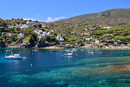 Main view of Sa Conca beach in Cadaques village, Costa Brava, Mediterranean Sea, Catalonia, Spain Banco de Imagens
