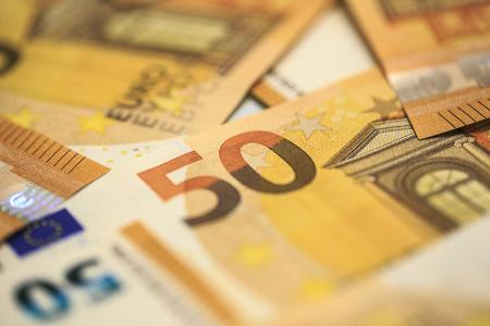50 Euros banknotes