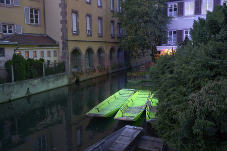 Petite Venise in Colmar . Green Boats 스톡 콘텐츠