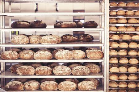 Bread baked in the bakery 版權商用圖片