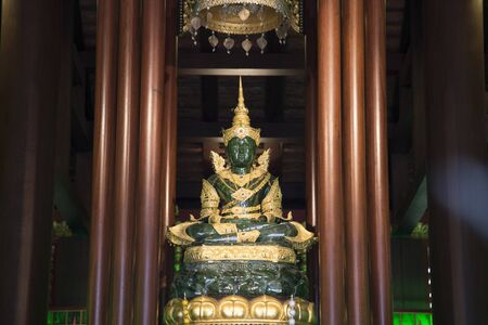 jade buddha temple: The Emerald Buddha in the temple of Wat Phra Kaeo chaingrai.