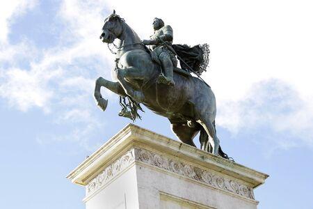Statue of Felipe IV en la plaza de Oriente en Madrid  Spain Stock Photo - 17309944
