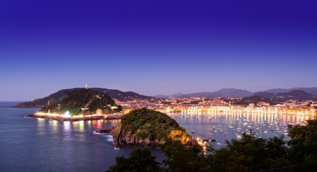 basque country: Night view of San Sebastian, Basque country, Spain