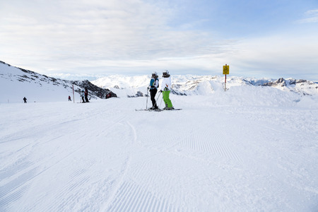 ski runs: Ski trip at Hintertux Glacier with gondolas, ski runs and pistes in Ziilertal Alps. Austria Stock Photo