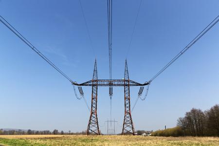 torres de alta tension: High voltage pylons, Power lines