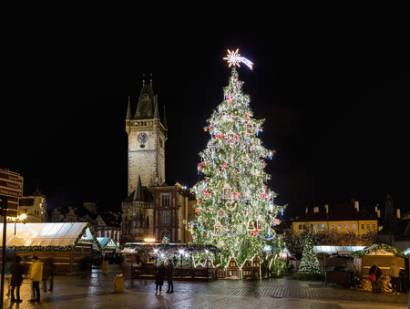 Prague Christmas market on Old Town Square. Centre of Prague is UNESCO protected. Christmas market in Prague at evening, Czech republic Zdjęcie Seryjne