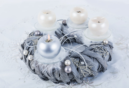 Silver advent wreath with 4 metallic candles