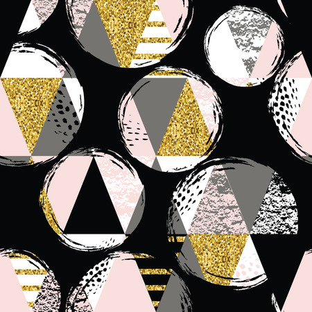 triangle pattern: Abstract geometric seamless pattern with trendy glitter and hand drawn textures. Modern abstract design for poster, cover, fabric and other users.