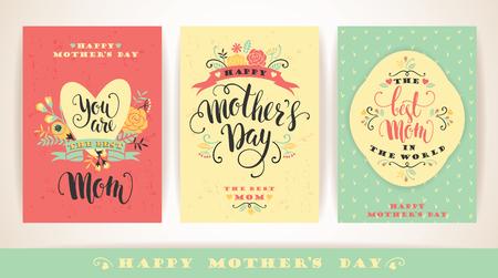Ensemble de jour de mères heureux cartes de v?ux lettrage avec des fleurs. Vector illustration. Banque d'images - 55709976