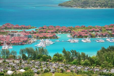 lak�hely: Luxus rezidencia és vitorláskikötő Eden Island, Seychelle-szigetek. Stock fotó