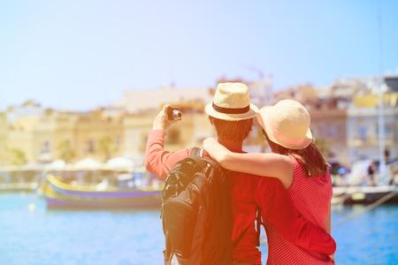 tourist couple making selfie photo while travel in Malta, Europe Foto de archivo
