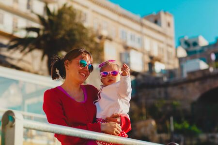 happy mother and little daughter travel in Malta Stockfoto