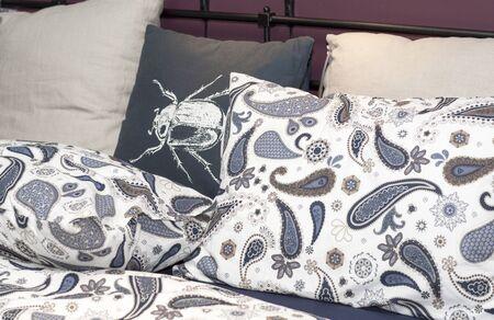 Set of bed linen.
