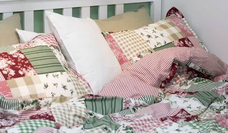 bed linen: Set of bed linen.