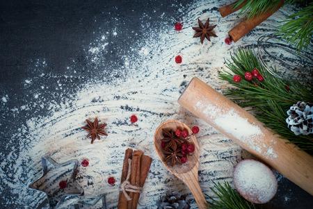 クリスマスのベーキングを料理の食材。上面図、空間をコピーします。