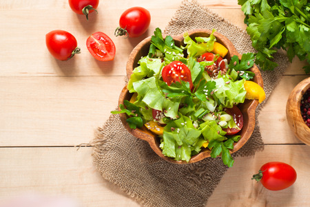 peppar: Fresh vegetable salad with seeds. Uzeful and healthy food. Stock Photo