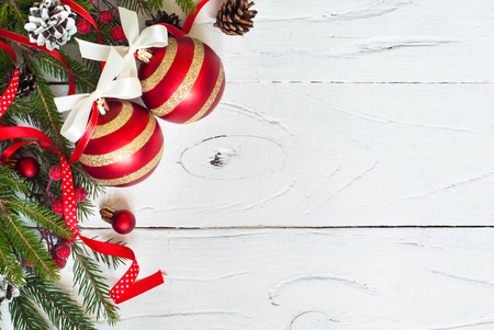 Christmas background. Christmas decorations on white wooden table. Top view, copyspace. Stockfoto