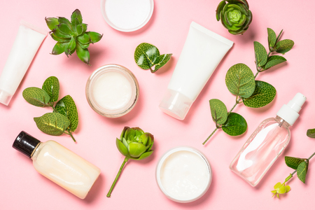 Produkt do pielęgnacji skóry, naturalny kosmetyk na płasko.