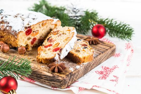 Stollen traditional Christmas fruitcake with dried fruit and nut 版權商用圖片