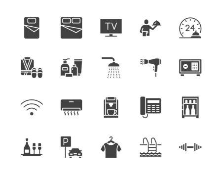 Wyposażenie pokoju hotelowego zestaw ikon płaski glifów. Podwójne łóżko, recepcja, room service, szlafrok, kapcie, sejf, ilustracje wektorowe minibaru. Czarny znak dla motelu. Sylwetka piktogram piksel idealny 64x64.