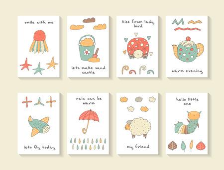 tarjetas lindas del doodle dibujado a mano de la ducha del bebé, folletos, invitaciones con las medusas, estrellas de mar, pájaro de la señora, hervidor de agua, avión, un paraguas, un cubo con arena y una pala, ovejas, oruga. Animales de la historieta de fondo